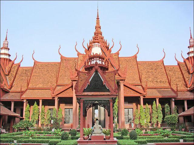 The Cambodian National Museum in Phnom Penh, Cambodia (Jean-Pierre Dalbéra)
